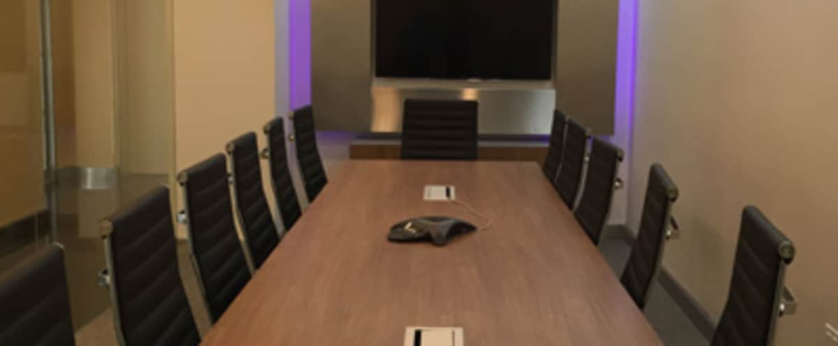Medium Ergonomic Conference Room for 14 in New York Hero Image in Midtown, New York, NY