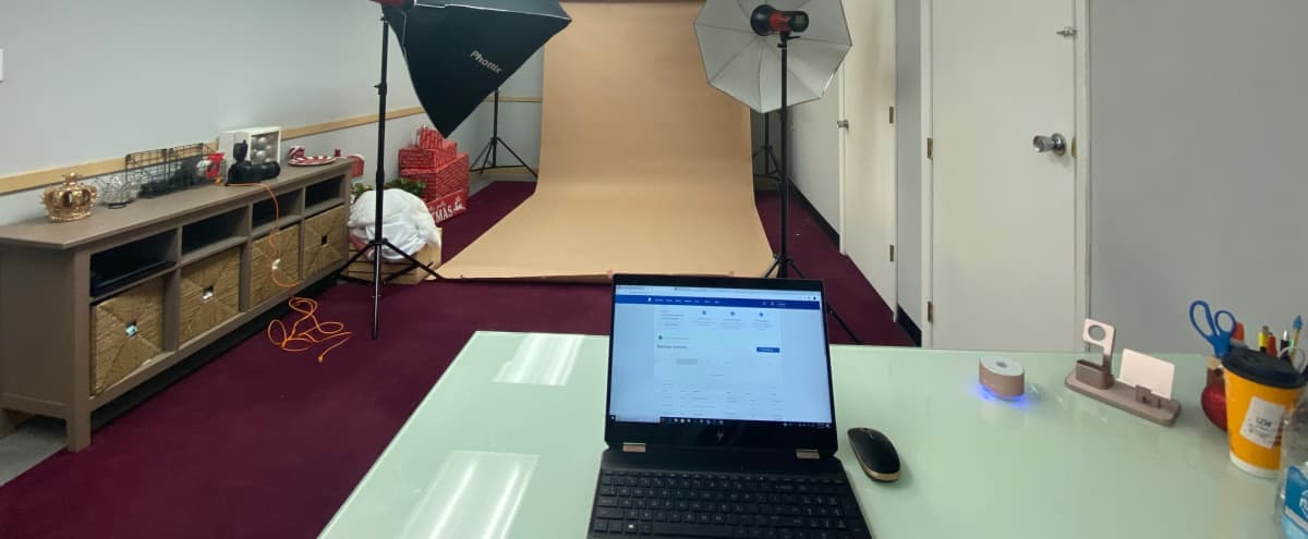Small West Suburban Photography Studio in Westchester Hero Image in undefined, Westchester, IL