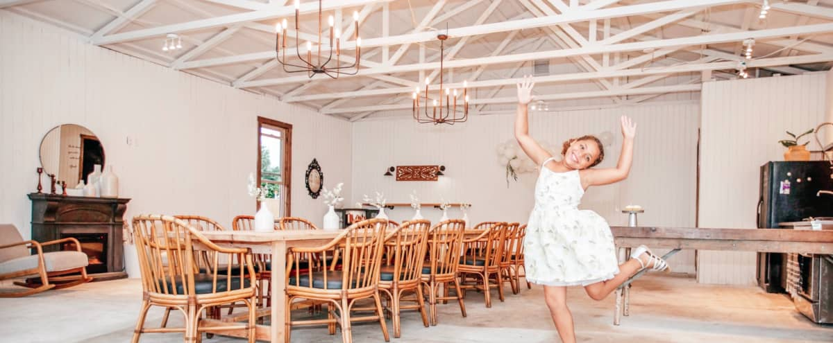Rustic Chic Venue with Outdoor Space in Puyallup in Puyallup Hero Image in undefined, Puyallup, WA