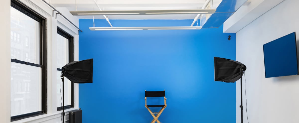 Large Midtown Photo Studio, Rehearsal Space, and Vocal Recording Studio with Natural Light Great for Rehearsals and Filming in New York Hero Image in Midtown Manhattan, New York, NY