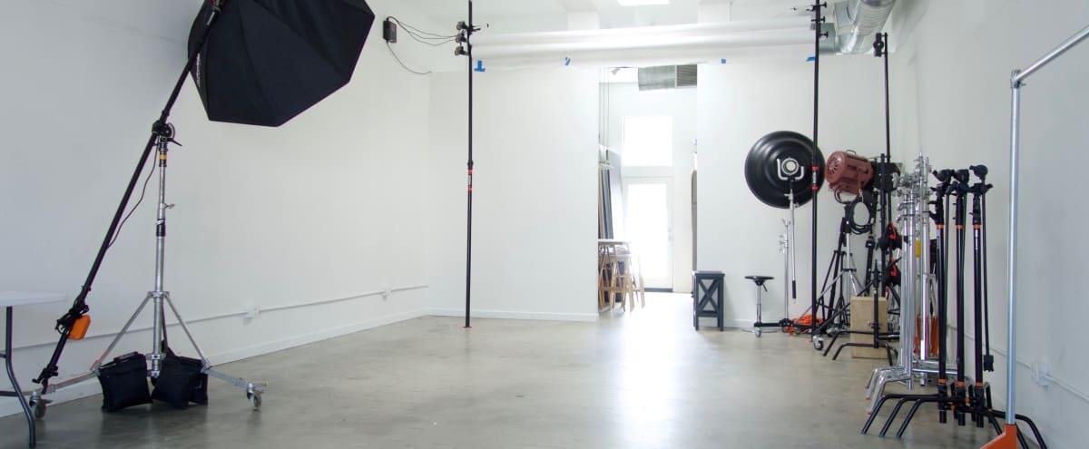 Streamlined Photo Studio with easy ground floor access in Altadena Hero Image in undefined, Altadena, CA