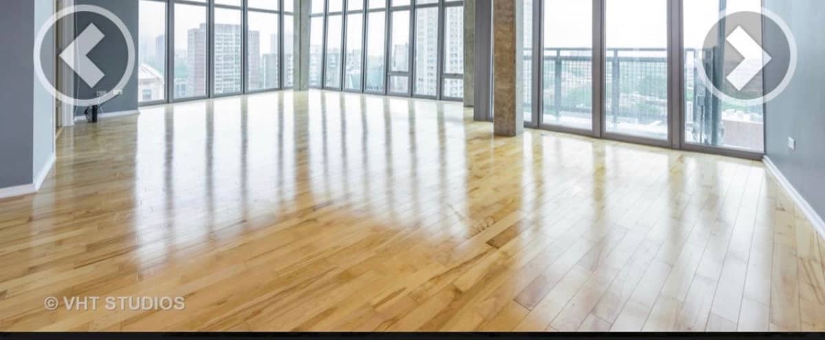 Large sunny loft with stunning views of Lake Michigan in Chicago Hero Image in Uptown, Chicago, IL