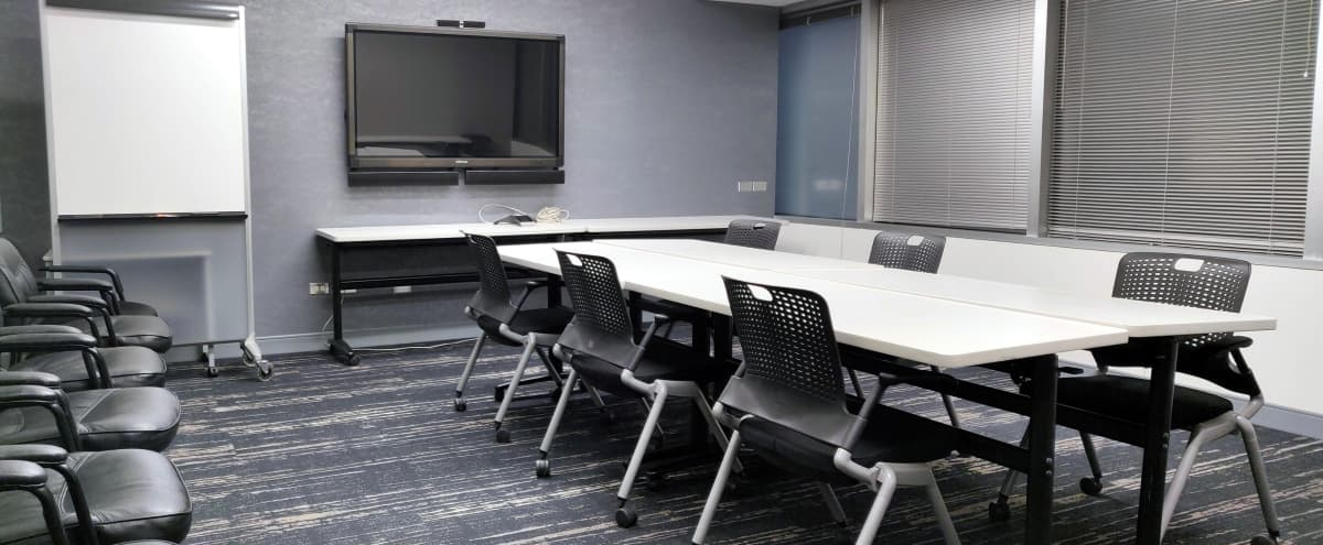 Large Conference Room with Adjustable Desk Setup in Chicago Hero Image in Chicago Loop, Chicago, IL