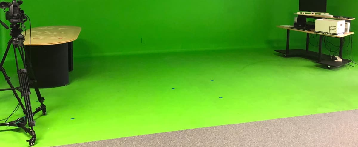 Production space, 5 person radio set, one of the larger fixed green screens in Riverside county. in Lake Elsinore Hero Image in undefined, Lake Elsinore, CA