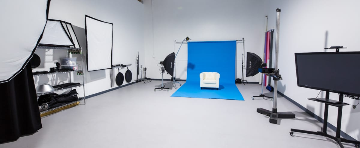 Professional Photography/Video Studio with Lighting Equipment Included in huntington beach Hero Image in Oak View, huntington beach, CA