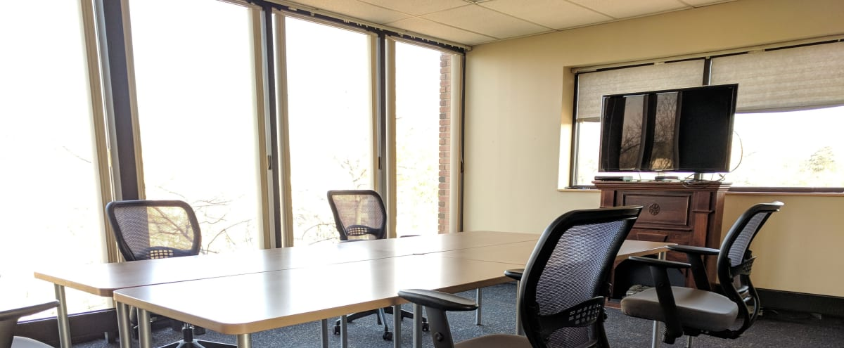 Conference and Event / Meeting Room for up to 12 people in Glenview Hero Image in undefined, Glenview, IL