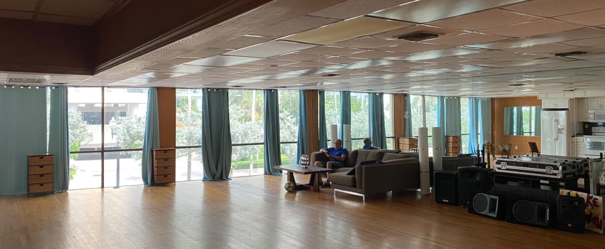 Close to beach spacious  studio, dance hall, loft , photo studio in Ft lauderdale Hero Image in Galt Mile, Ft lauderdale, FL