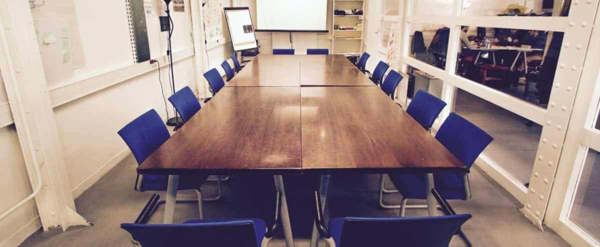 Salle de réunion équipée dans un lieu dédié à l'innovation sociale (33m2 / 30 personnes) in Paris Hero Image in Bastille, Paris,
