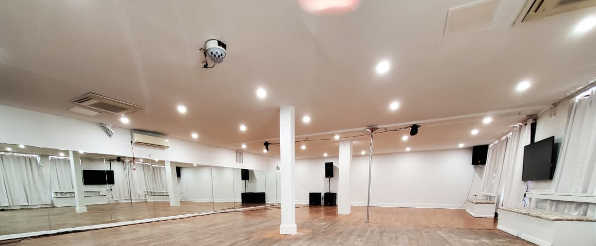 Hardwood Floor Studio Space in Brooklyn Hero Image in Flatbush, Brooklyn, NY