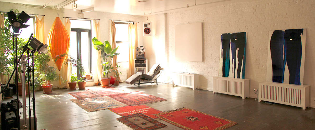 Classic Open Space Artists Loft in New York Hero Image in Midtown, New York, NY