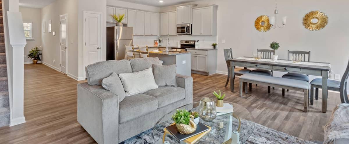 Luxury Living in Atlanta Hero Image in Cliftondale, Atlanta, GA