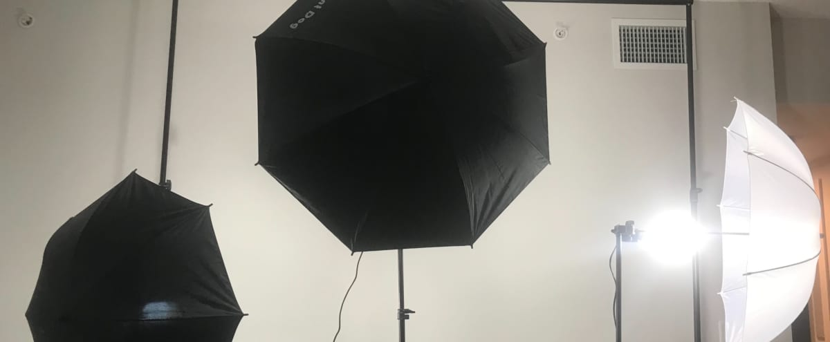 Comfy Photo Studio With Lights included! in Hallandale Beach Hero Image in undefined, Hallandale Beach, FL