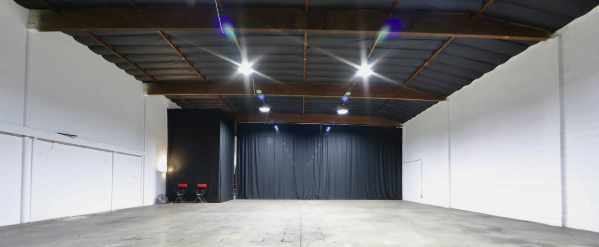[40% OFF!] 4,000+ sq. ft Production Studio Warehouse w/ High Ceilings and Equipment for Rent in Van Nuys Hero Image in North Hills West, Van Nuys, CA