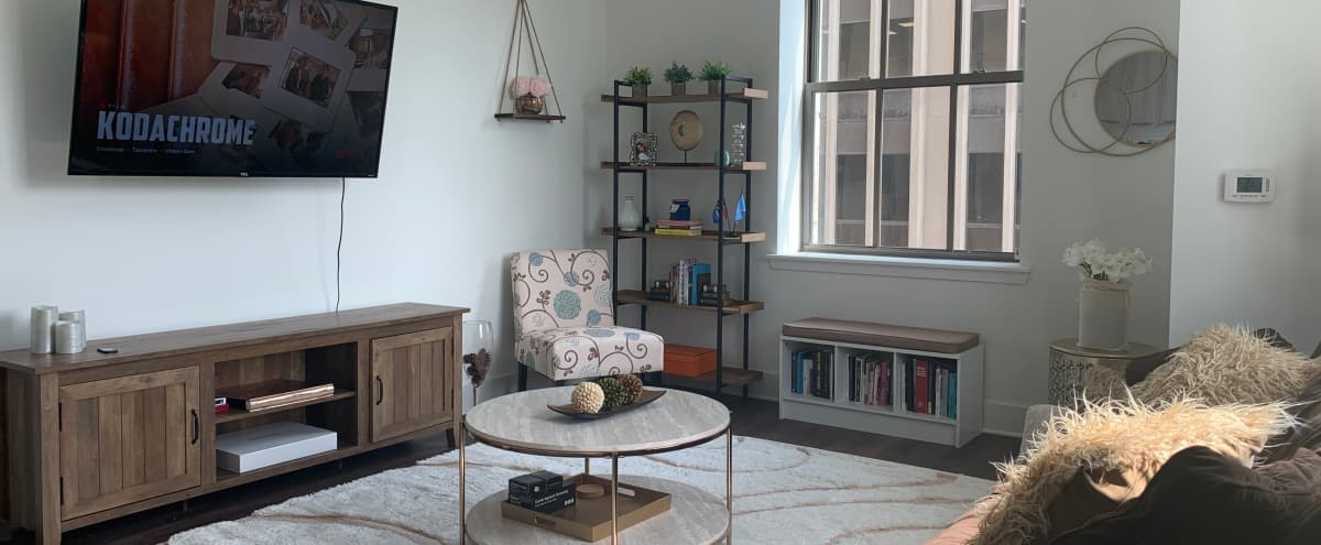 Well-lit Insta-ready Apartment in Newark in Newark Hero Image in Central Ward, Newark, NJ