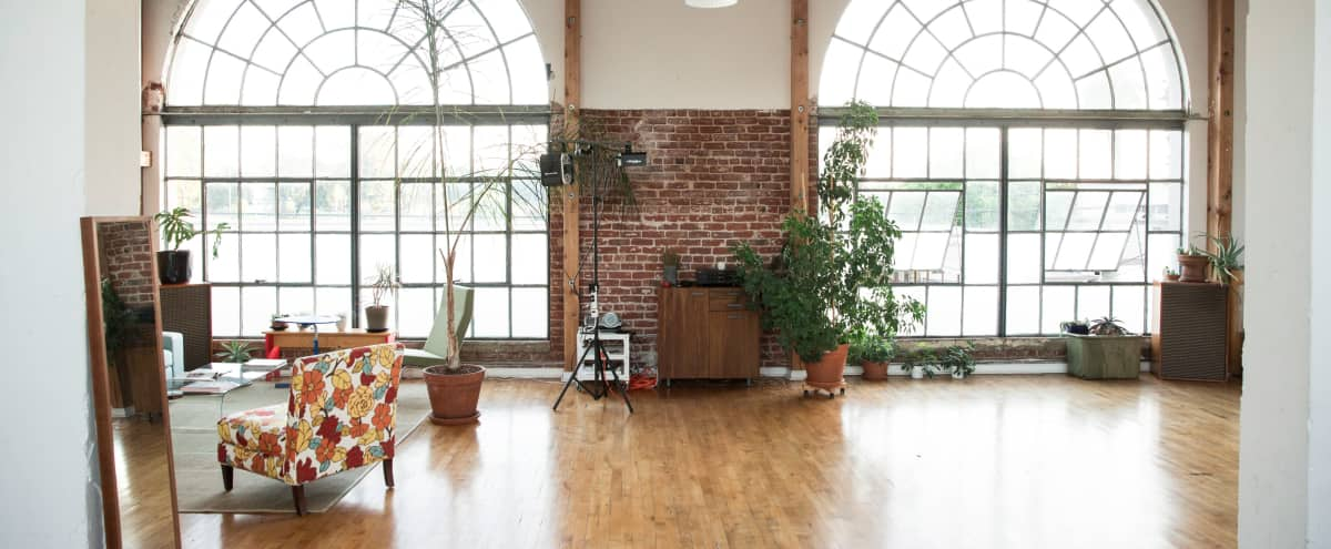 Light filled Open & Spacious 1920's Warehouse in Oakland Hero Image in West Oakland, Oakland, CA