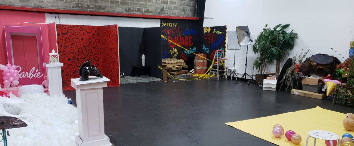 Multi Themed Amazing Photography/Videography Studio in Sugarland Hero Image in Richmond Road Farms, Sugarland, TX
