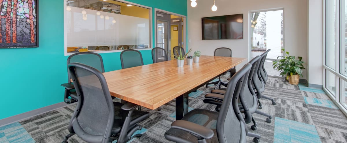 Modern Meeting Room for 10 in Arlington Hero Image in Central Arlington, Arlington, TX