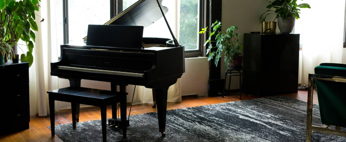 Spacious Artist Loft with Baby Grand Piano in oakland Hero Image in Jingletown, oakland, CA