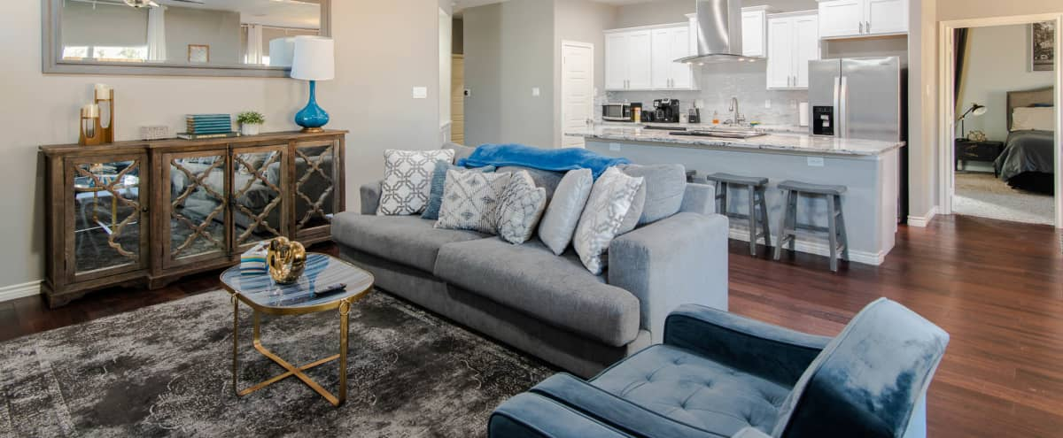 Large 3BR|2BR Home in Oak Cliff for Video Productions and Photoshoots in dallas Hero Image in Oak Cliff, dallas, TX
