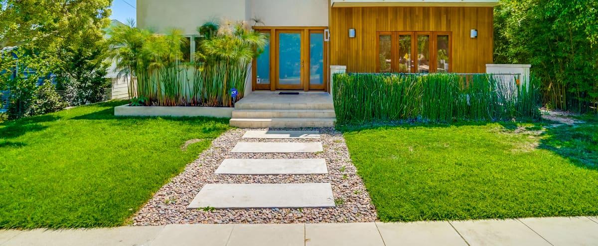 Stunning Contemporary Home in los angele Hero Image in Mar Vista, los angele, CA