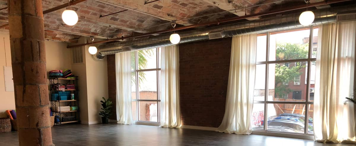 Loft with lots of natural light in the heart of Dumbo in Brooklyn Hero Image in Vinegar Hill, Brooklyn, NY