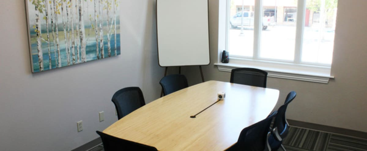 Modern 6-Person Meeting Room in Fort Worth Hero Image in undefined, Fort Worth, TX