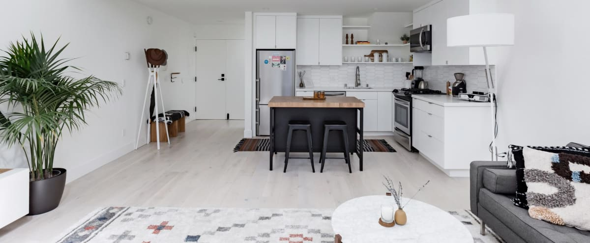 Bright SoMa Loft - Perfect for small offsites in San Francisco Hero Image in Mission Bay, San Francisco, CA