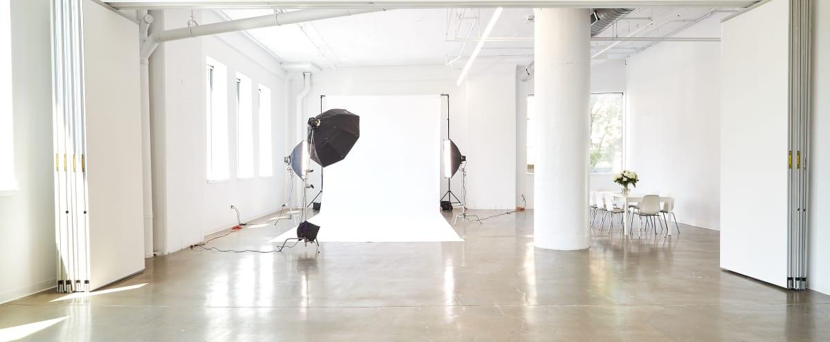 Bright - Natural Light - 2,000 sq ft - Open Studio in Philadelphia Hero Image in Center City, Philadelphia, PA