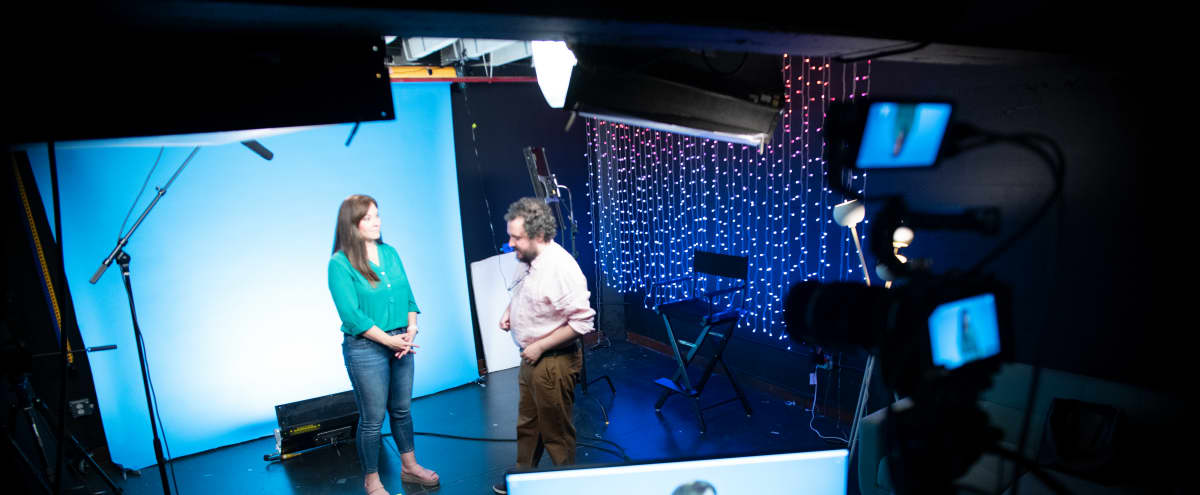 Downtown Los Angeles Production Studio with Seamless Backdrops Perfect for Podcasts, Self Tapes, Streaming and Green Screens in Los Angeles Hero Image in Central LA, Los Angeles, CA