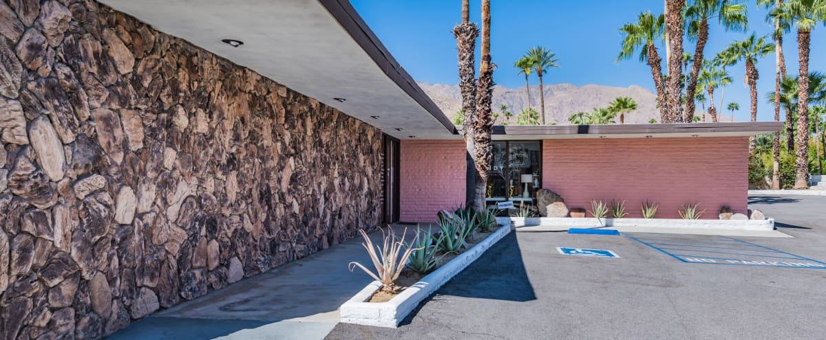 Iconic Mid Century Modern Freestanding Retail Building in Palm Springs Hero Image in Old Las Palmas, Palm Springs, CA