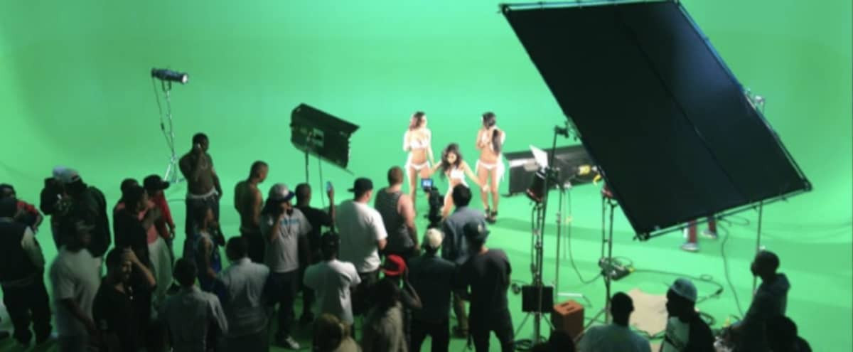 Film set with Green Screen & White Cyclorama in Freeport Hero Image in undefined, Freeport, NY