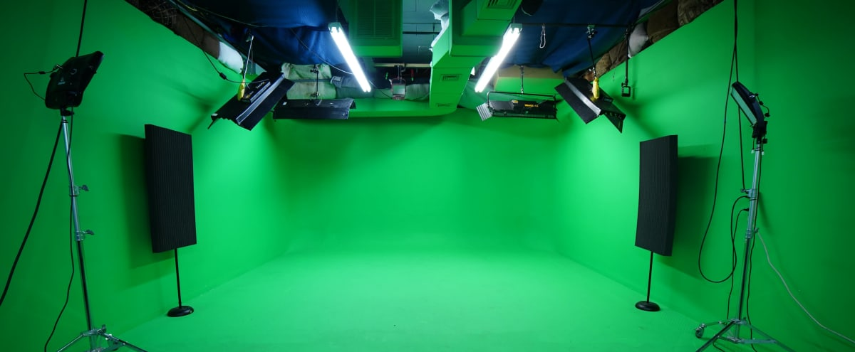 Green Screen Room (Production Studio w/ Controlled Lighting) Woodland Park, NJ | quick & easy 25 mins from Midtown, Manhattan NYC in Woodland Park Hero Image in undefined, Woodland Park, NJ