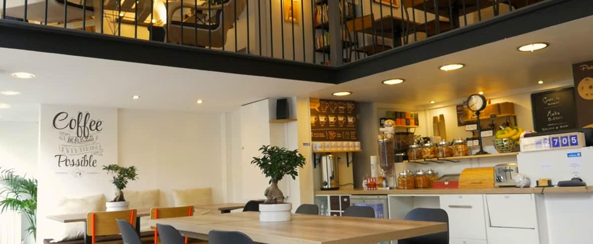 Café et coworking moderne et cosy disponible en soirée in PARIS Hero Image in Arts et Métiers, PARIS,