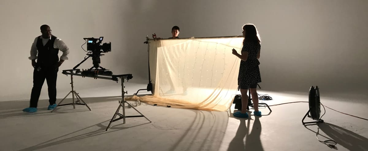 Large White Cyc Studio for Photography and Video in Houston Hero Image in Northside, Houston, TX