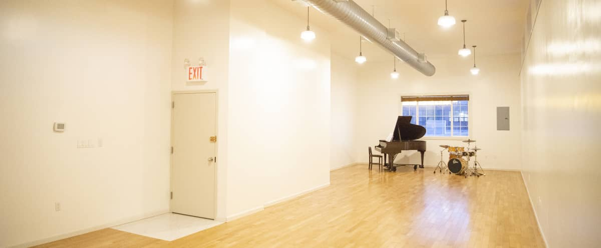 Beautiful Event Space in Greenpoint, Brooklyn in Brooklyn Hero Image in Greenpoint, Brooklyn, NY
