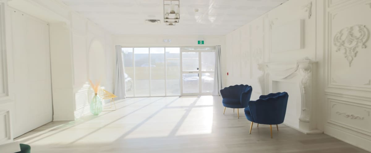 Naturally Lit Elegant White room With 3 Spring Floral Setups in Brampton Hero Image in undefined, Brampton, ON