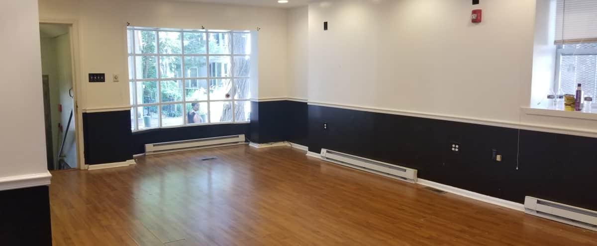 Germantown multi-room studio spacious rooms hardwood floors and beautiful bay window in Philadelphia Hero Image in Penn-Knox, Philadelphia, PA