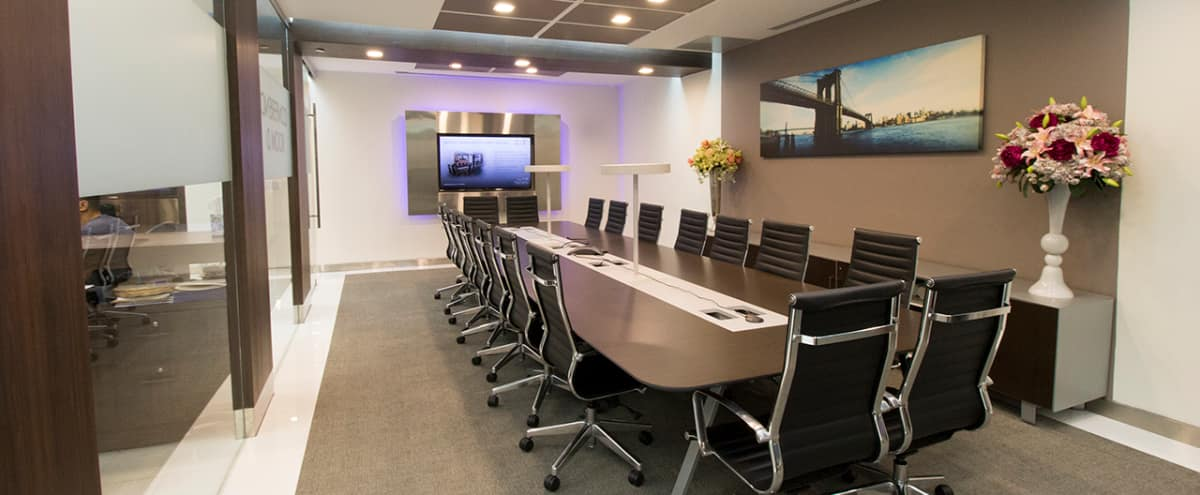 Large Midtown Glass Conference Room - Meeting Room D - HS in New York Hero Image in Midtown, New York, NY