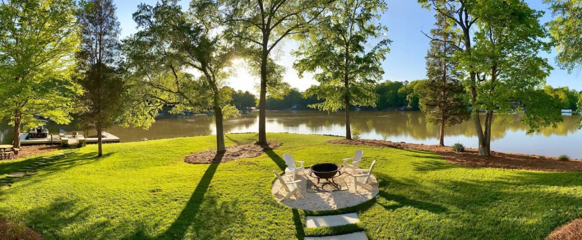 Beautiful NEW Cottage on Lake Wylie in Charlotte Hero Image in Dixie - Berryhill, Charlotte, NC