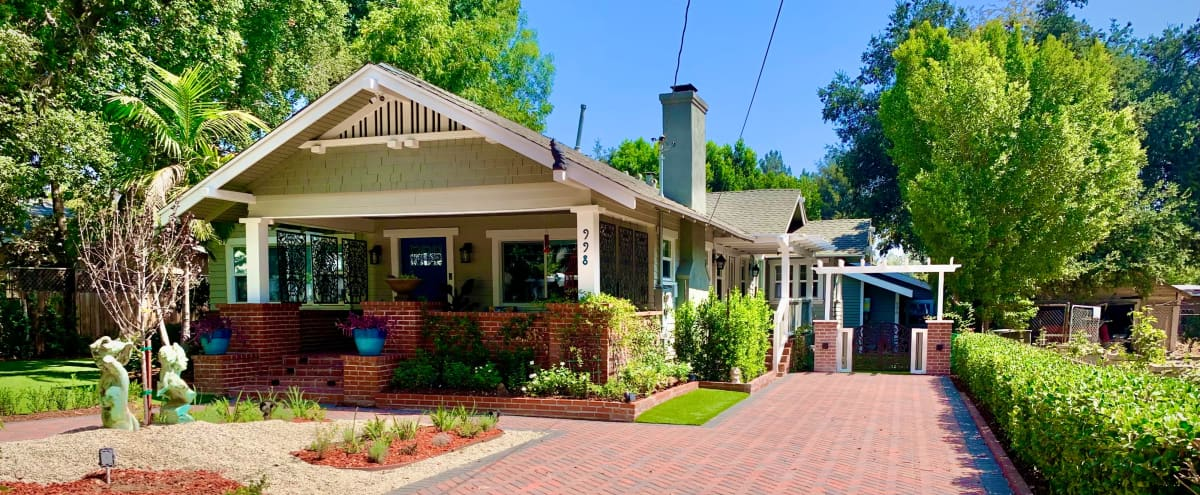 Classic Pasadena Craftsman Family Home with Pool and Guesthouse in Pasadena Hero Image in North Central, Pasadena, CA