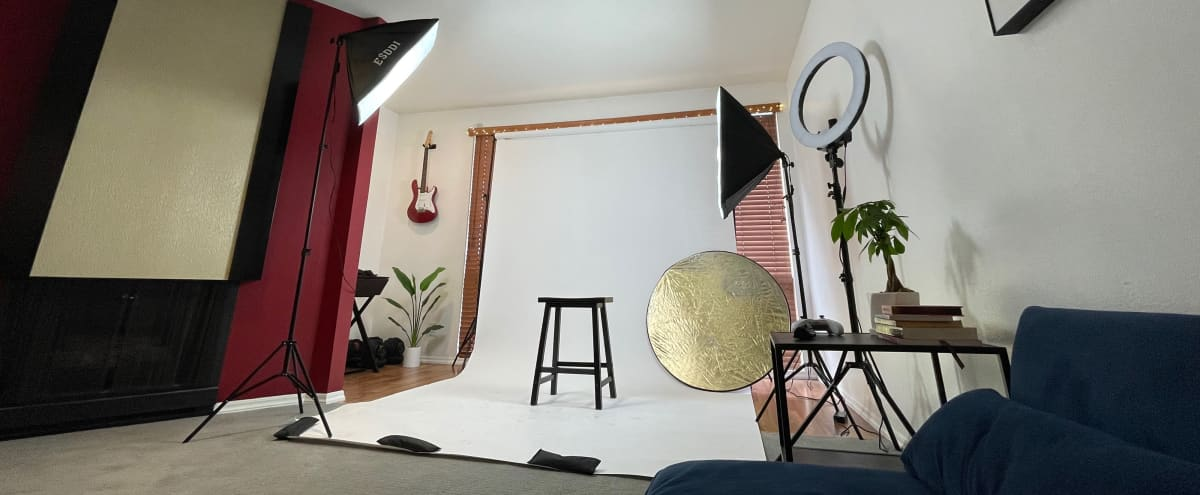 Spacious NOHO CONDO / PHOTO STUDIO + Lighting Equipment and Backdrops in Valley Village Hero Image in Valley Village, Valley Village, CA