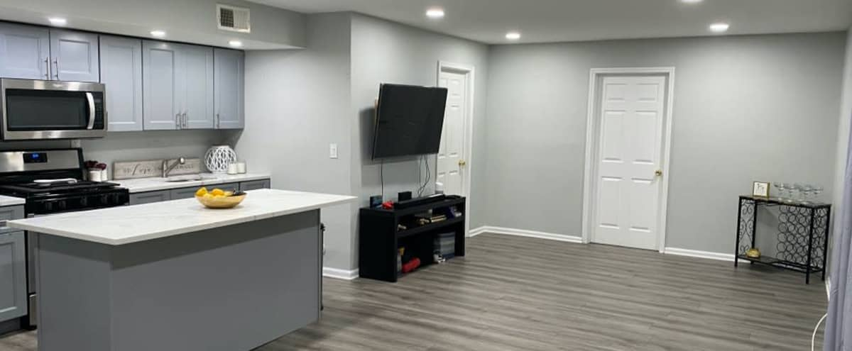 Luxury Private Living Space in Jersey City Hero Image in Greenville, Jersey City, NJ