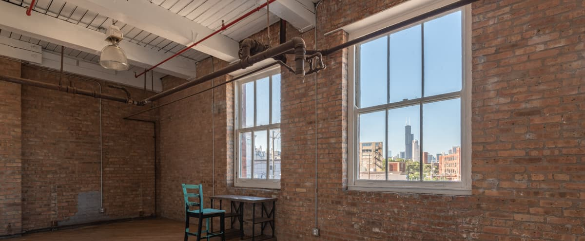 Photo / Video Studio with Skyline View in Chicago Hero Image in East Pilsen, Chicago, IL