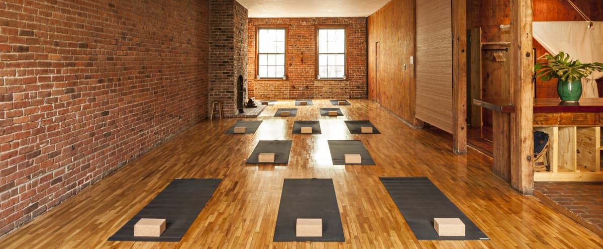 Astor Place - Yoga Loft in NEW YORK Hero Image in Ukrainian Village, NEW YORK, NY