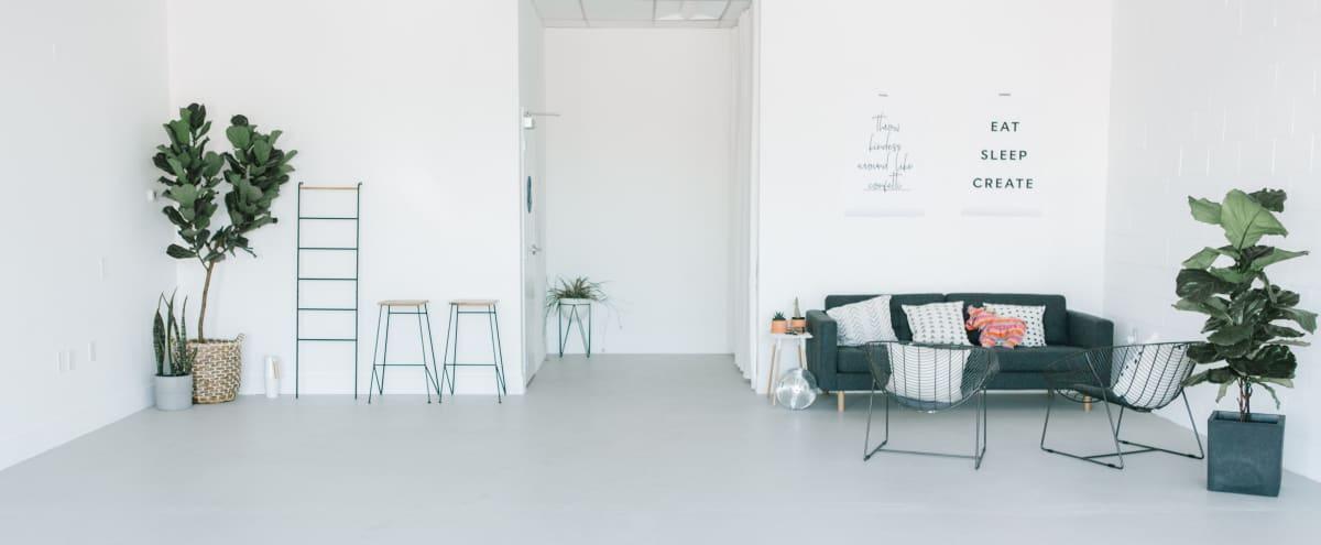 1,000 sq ft pure white studio space near 580/680 interchange in Dublin Hero Image in undefined, Dublin, CA