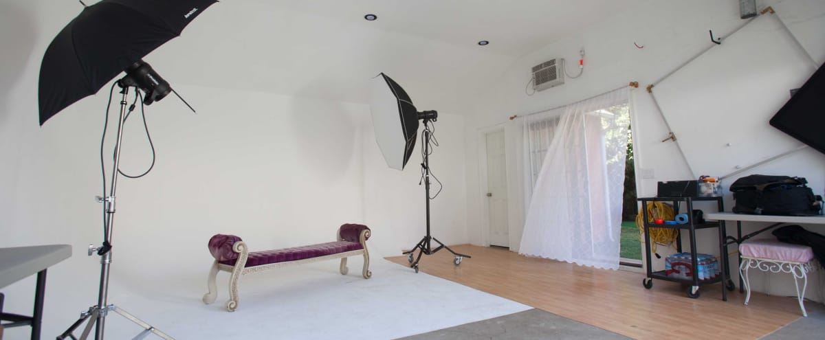 Mid Wilshire Studio with Beautiful Garden and Patio in Los Angeles Hero Image in Central LA, Los Angeles, CA
