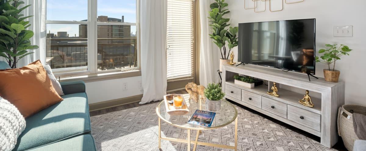 Luxury Downtown apartment with Sky views in Atlanta Hero Image in undefined, Atlanta, GA