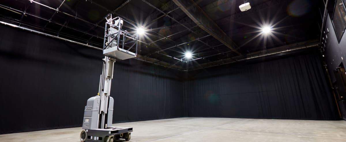 Spacious 4000 Sq. Ft. Studio Stage near LAX in El Segundo Hero Image in undefined, El Segundo, CA