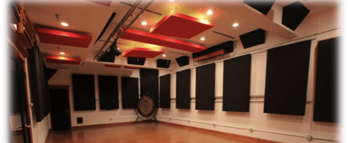 Multi Functional Studio Space in Chicago Hero Image in Irving Park, Chicago, IL