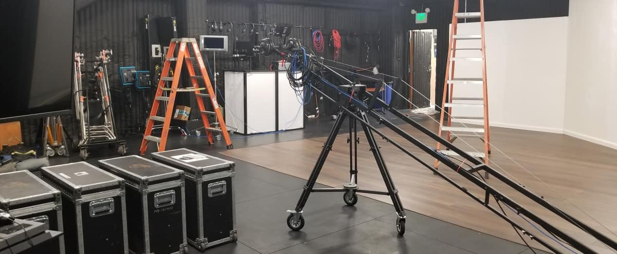 Studio Soundstage for Photography and Video in Manhattan Beach Hero Image in undefined, Manhattan Beach, CA